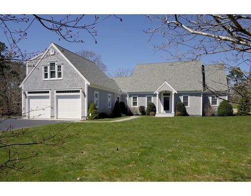 11 Captain Bearse Ln, Harwich, MA