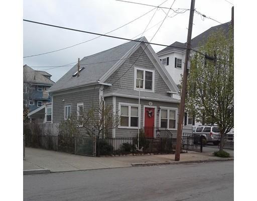 215 Hathaway St, New Bedford MA 02746
