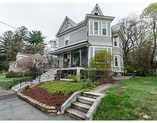 294 Wentworth Ave, Lowell MA 01852