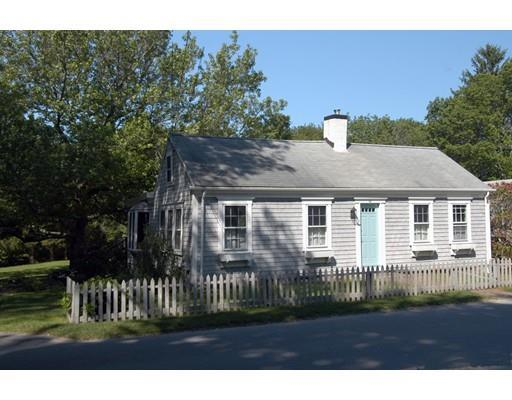 32 Middle St, South Dartmouth MA 02748