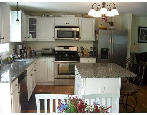 70 West St, Carver MA 02330