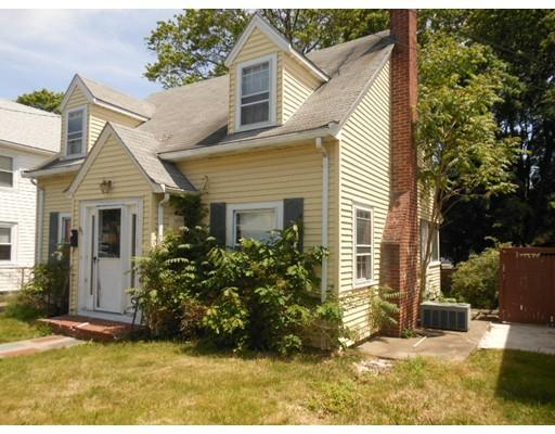 66 Connell St Quincy, MA 02169