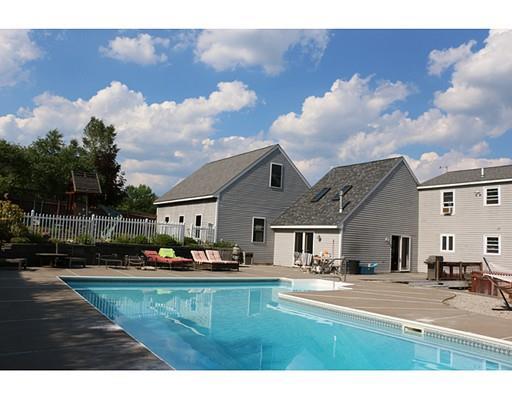10 Hillside Terrace, Danville, NH 03819
