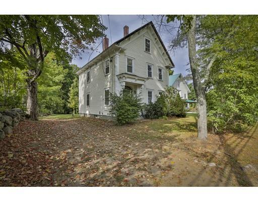 57 Pleasant St, Epping, NH 03042