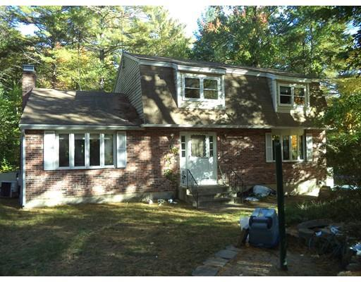 16 Pine Hollow Dr, Londonderry, NH 03053