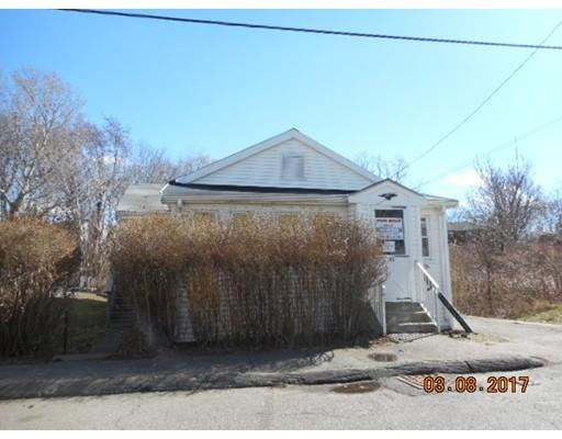 45 Stoughton St, Quincy, MA 02169