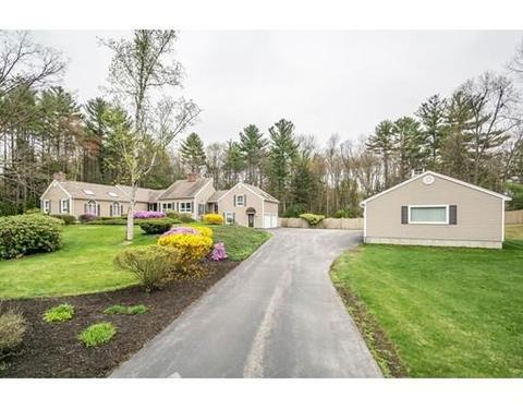 64 Carriage Ln, Bedford, NH 03110