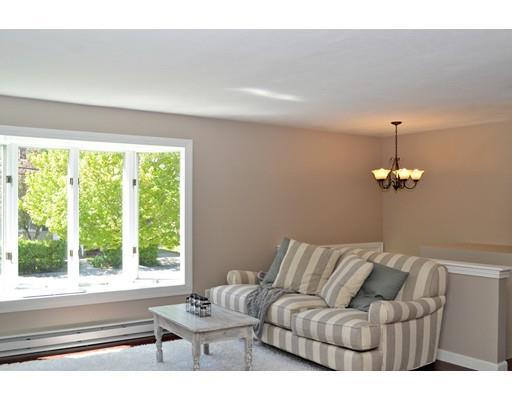 Living Room 86 St 86 essex st, marlborough, ma 01752 mls# 72166830 - movoto