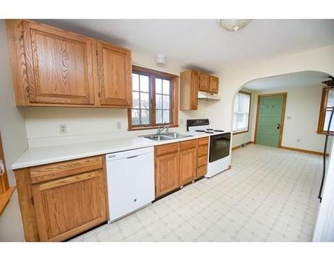 12 Smith Corner Rd, Plaistow, NH 03865 MLS# 72256191   Movoto.com