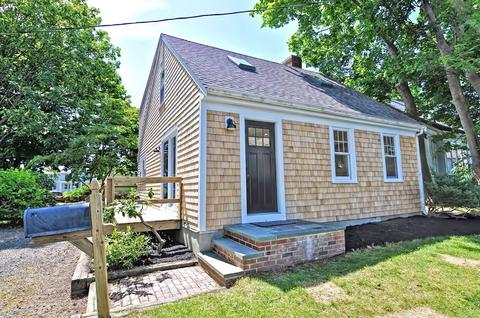 10 Standish Ave, Scituate, MA 02066