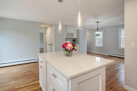 Excellent 101 Snake Pond Rd Forestdale Ma 30 Photos Mls 21808703 Movoto Interior Design Ideas Inesswwsoteloinfo