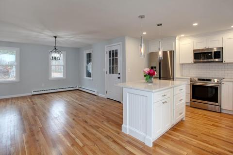 Incredible 101 Snake Pond Rd Forestdale Ma 30 Photos Mls 21808703 Movoto Interior Design Ideas Inesswwsoteloinfo