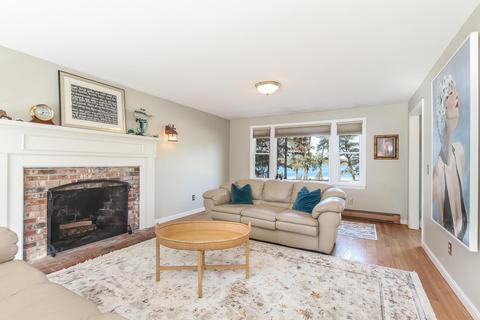 Awesome 49 Snake Pond Rd Forestdale Ma 02644 Mls 21900511 Interior Design Ideas Inesswwsoteloinfo