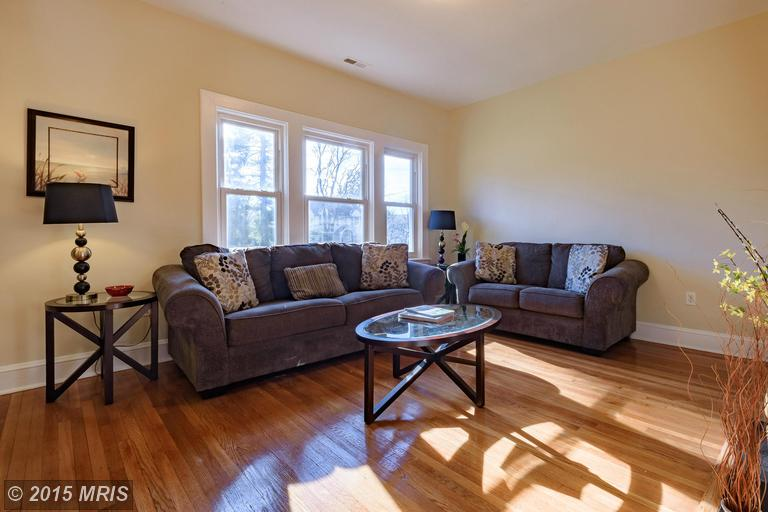 304 Middle Ct, Linthicum Heights, MD