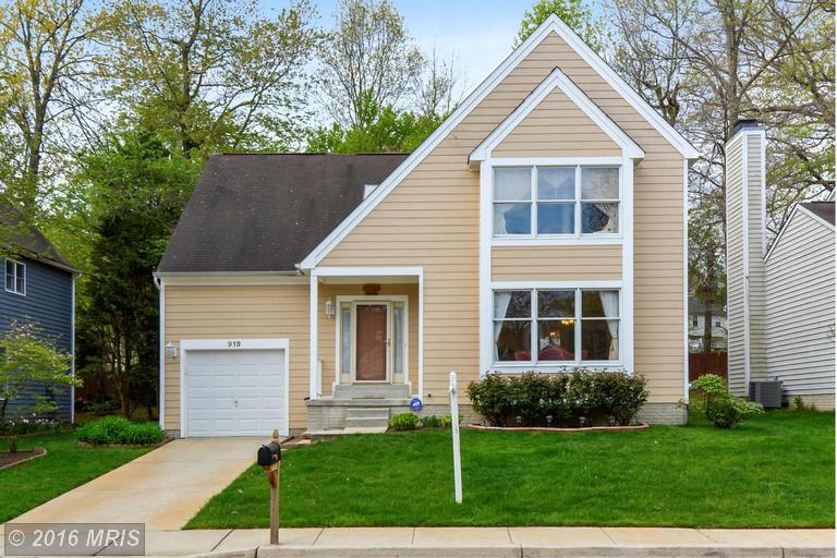 919 Langdon Ct, Annapolis, MD