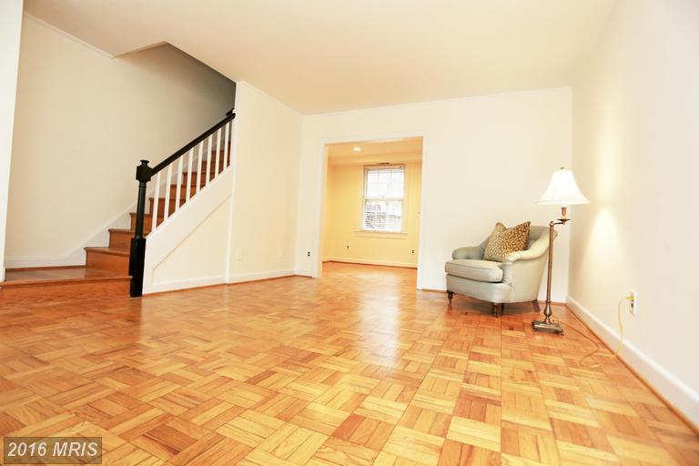 1401 Edgewood Street S #476, Arlington, VA 22204