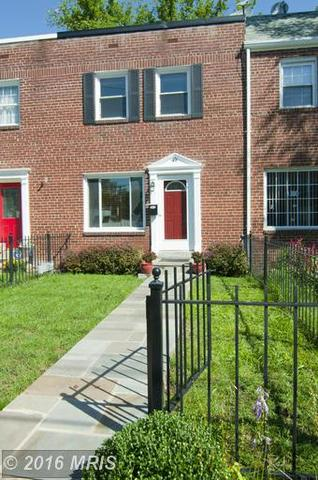 49 Reed Ave W, Alexandria, VA 22305