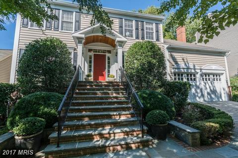 1263 Dartmouth Ct, Alexandria, VA 22314
