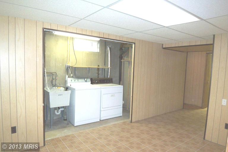 8814 Church Ln, Randallstown MD 21133