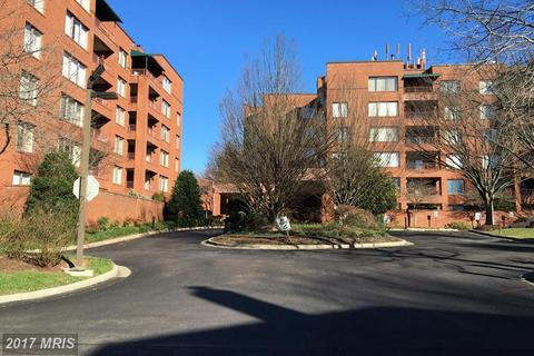 1 Gristmill Ct #402, Pikesville, MD 21208