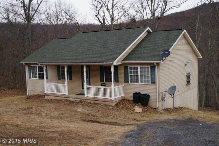 698 Pee We Ln, Hedgesville, WV