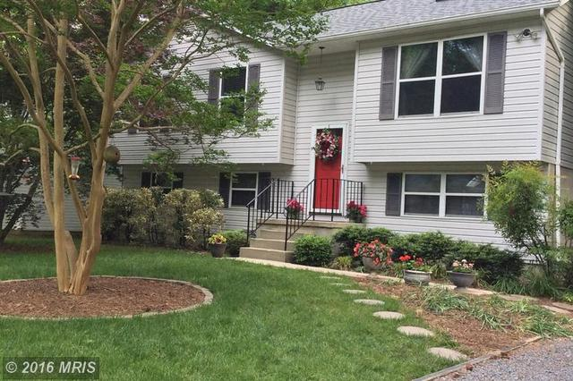 305 Chestnut Dr, Lusby MD 20657