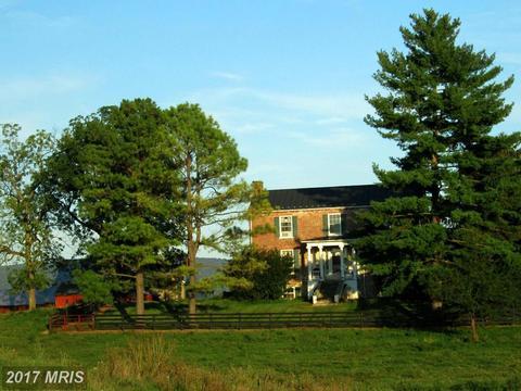 3838 Shepherds Mill Rd N, Berryville, VA 22611