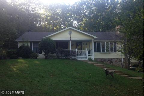 157 Lakeview Ln, Boyce, VA 22620