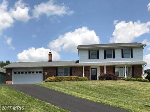 5318 Loretta Dr, Mount Airy, MD 21771