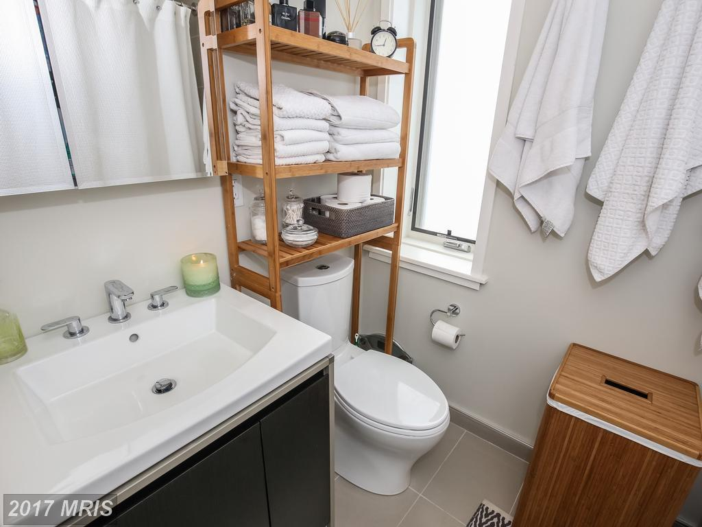 Two bedroom columbia heights unit with programmable heated bathroom - 1474 Belmont St Nw 3 Washington Dc For Sale Mls Dc10050937 Movoto