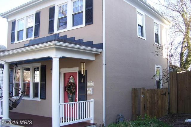 816 Wolfe St, Fredericksburg VA 22401