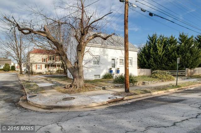 1421 Hanover St, Fredericksburg VA 22401