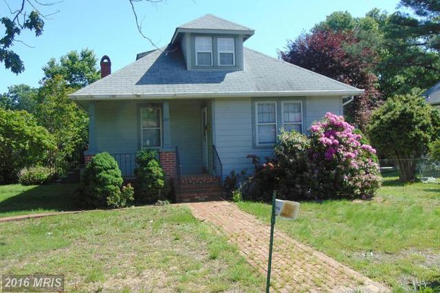 211 Hillcrest Dr, Fredericksburg, VA 22401