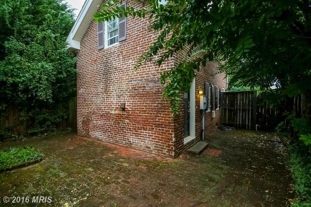 306 Hawke St, Fredericksburg, VA 22401