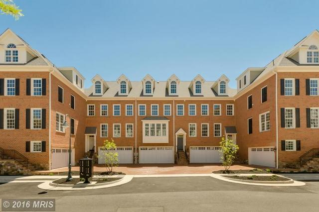 10683 Yorktown Ct, Fairfax, VA 22030