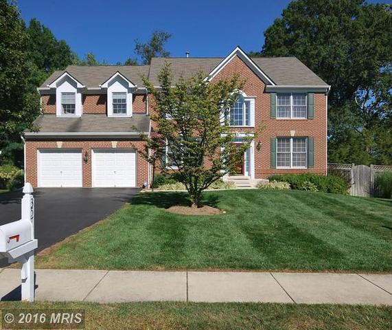 3577 Sharpes Meadow Ln, Fairfax, VA 22030