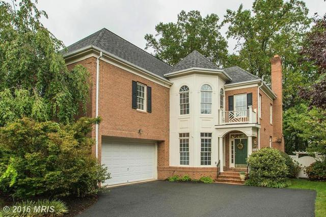3829 Farrcroft Dr, Fairfax, VA 22030