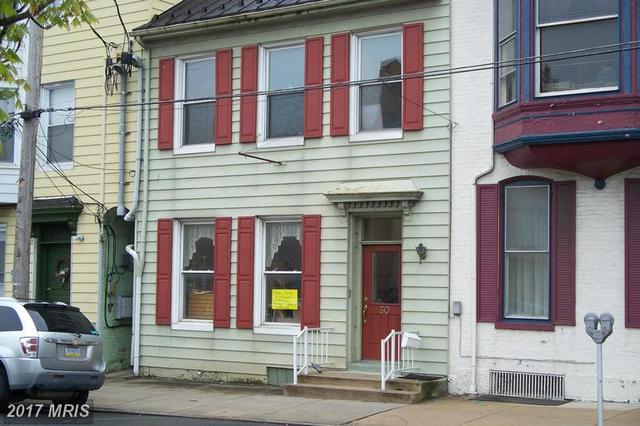 30 W Queen StChambersburg, PA 17201