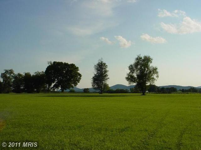 1 Chattins Run Ln, Delaplane, VA 20144