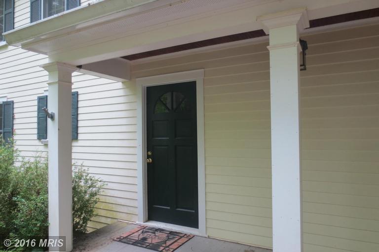 10142 Cliff Mills Road, Marshall, VA 20115