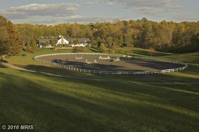 5447 Rallywood Farm Ln, The Plains, VA 20198