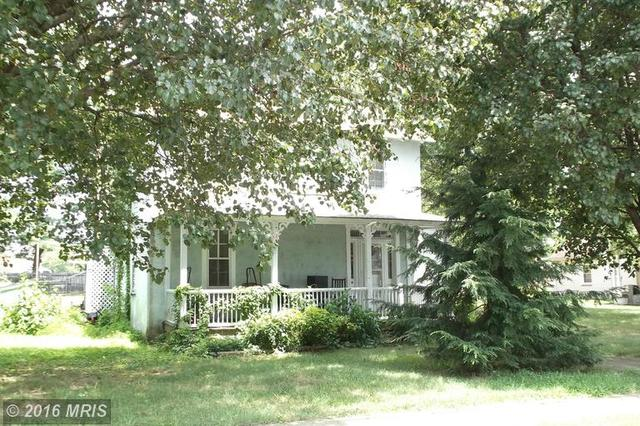 105 Washington St W, Remington, VA 22734