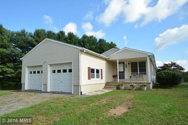 8572 Woodward Rd, Marshall, VA 20115