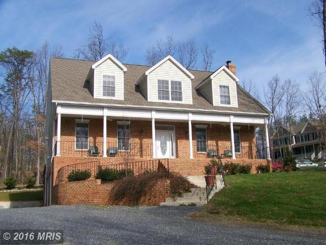 900 Lakeview Dr, Cross Junction, VA 22625