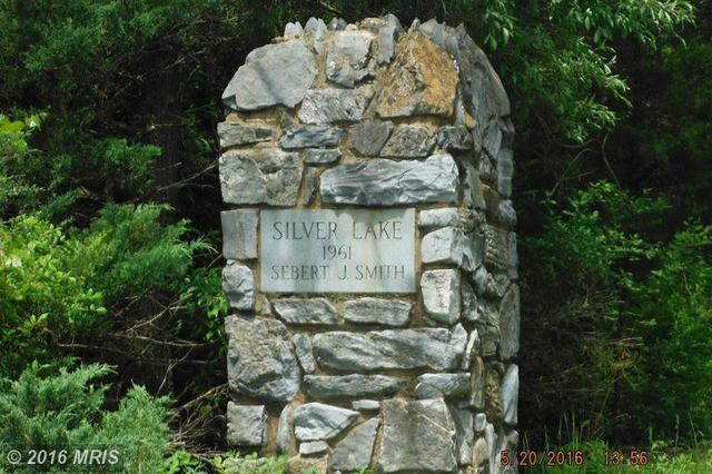 Silver Lake Lane, Winchester, VA 22603