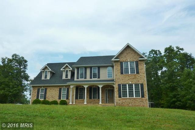606 Lakeview Dr S, Cross Junction, VA 22625