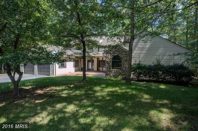 304 Dogwood Dr, Cross Junction, VA 22625