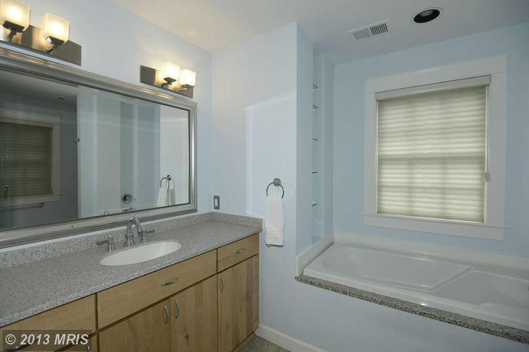 1952 Kirby Rd, Mc Lean VA 22101