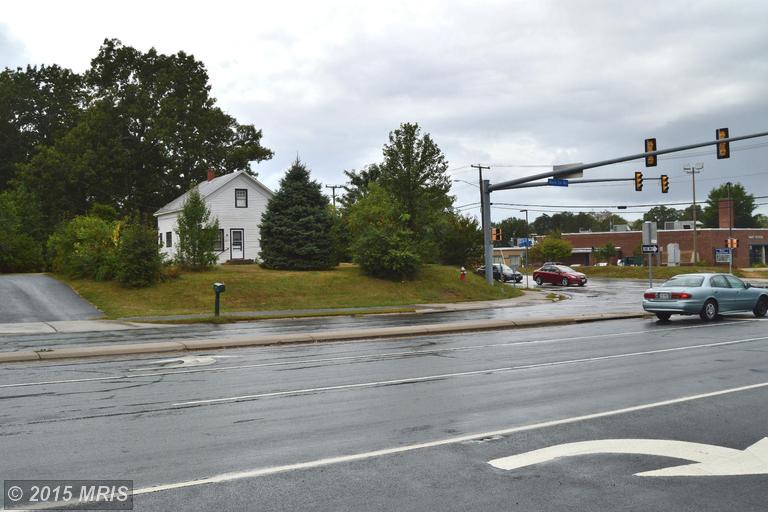 3510 W Ox Road, Fairfax, VA 22033
