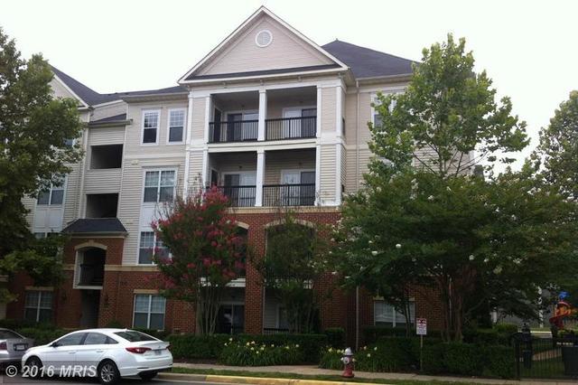 11319 Aristotle Dr #APT 3-307, Fairfax, VA